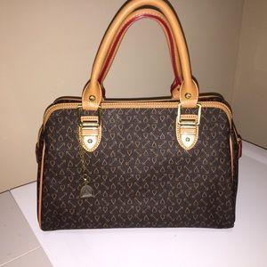 Handbags - Boston bag, Satchel style purse.